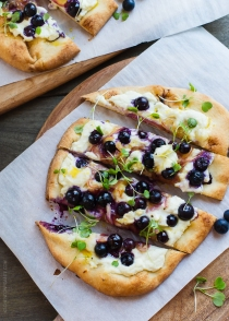 Blueberry, Feta and Honey-Caramelized Onion Naan Pizza | www.kit